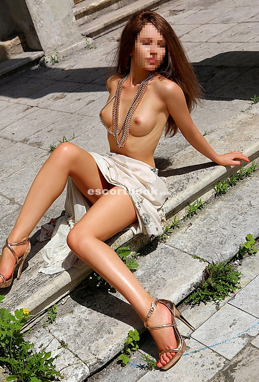 french lesbienne escort luxembourg